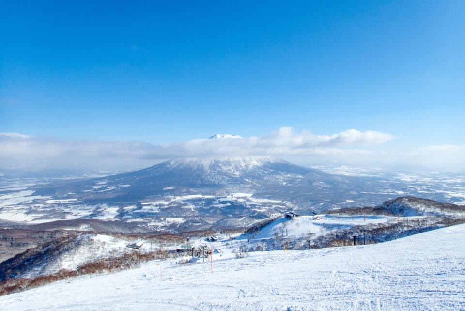 ヒラフのゲレンデから眺める羊蹄山