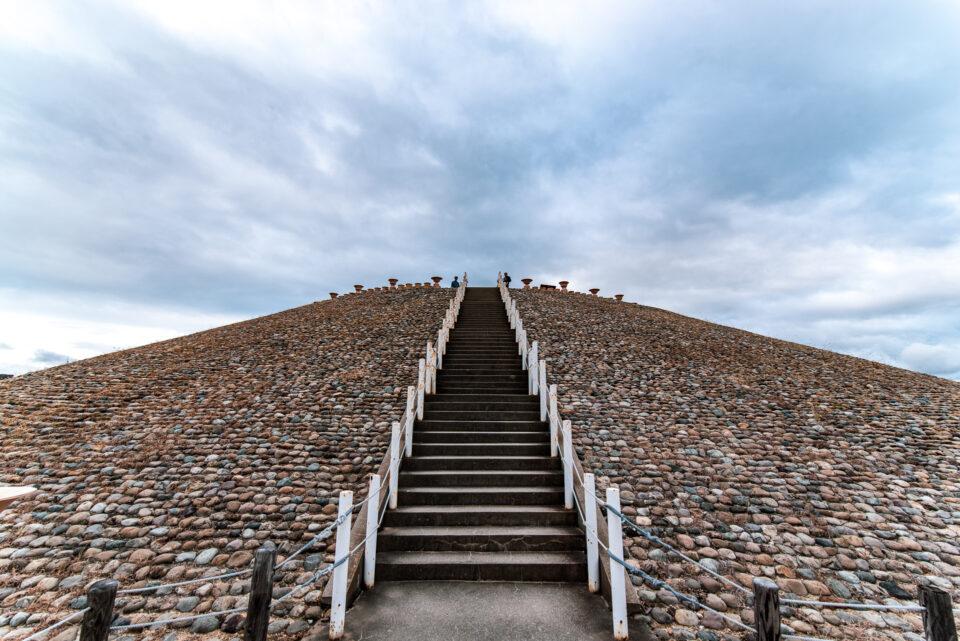 五色塚古墳の階段