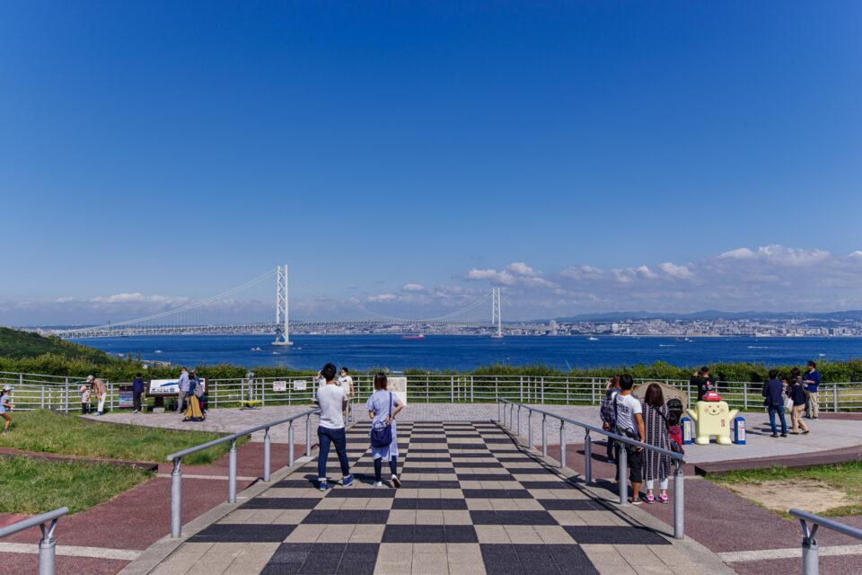 淡路SAから眺める明石海峡大橋