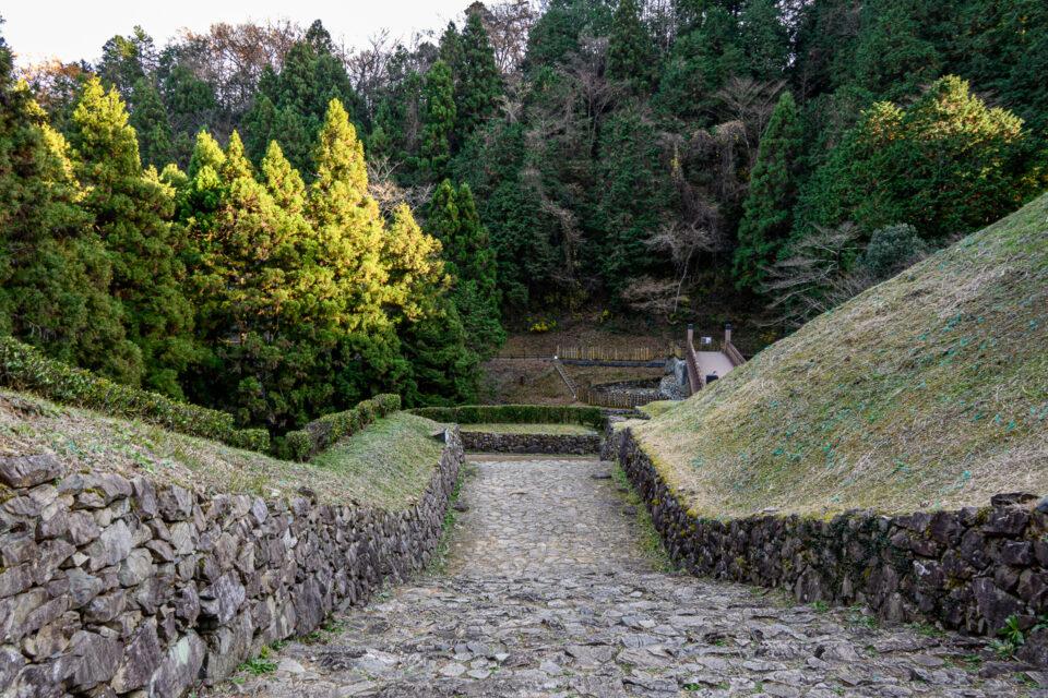 八王子城御主殿跡入り口の石垣
