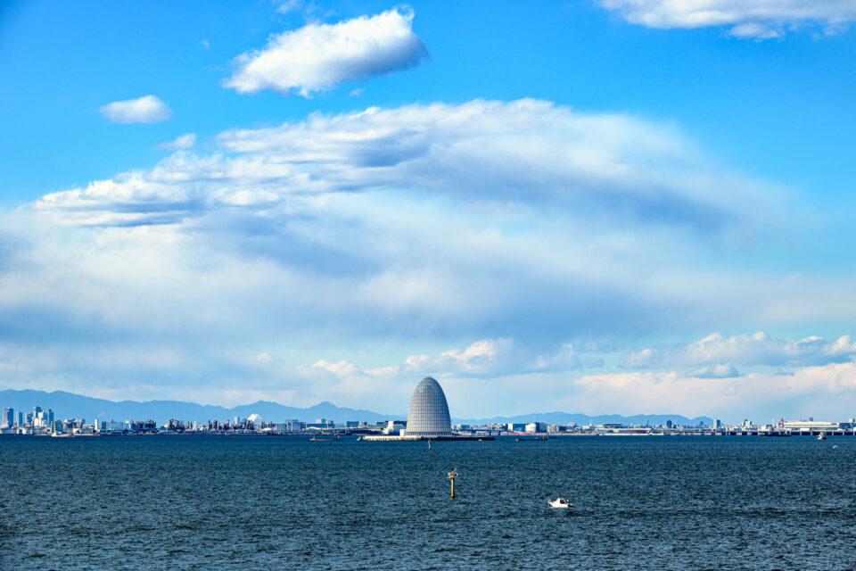 東京湾アクアラインの風の塔