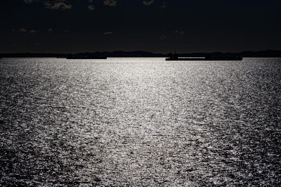 光る東京湾