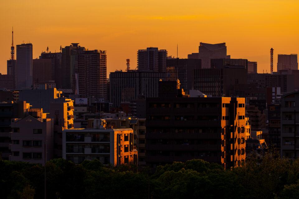 夕焼けのビル街