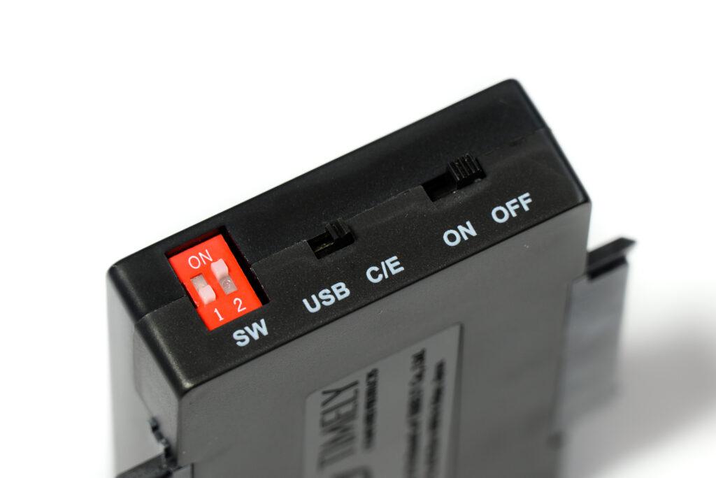 HDD/SSD 複製&データ消去アダプター UD-3101CLER スイッチ部