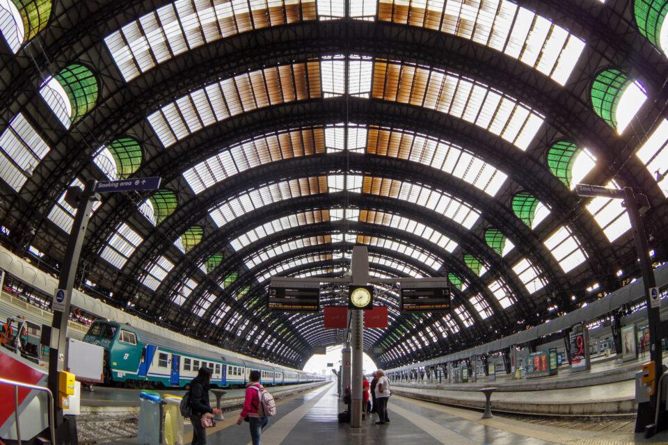 ミラノ チェントラーレ駅